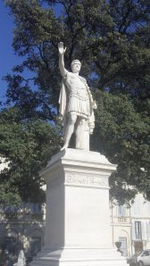 Antoninus Pius, Nimes